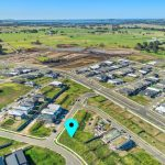 14637_Lot 2214 2 McNevin Close Calderwood_100_102