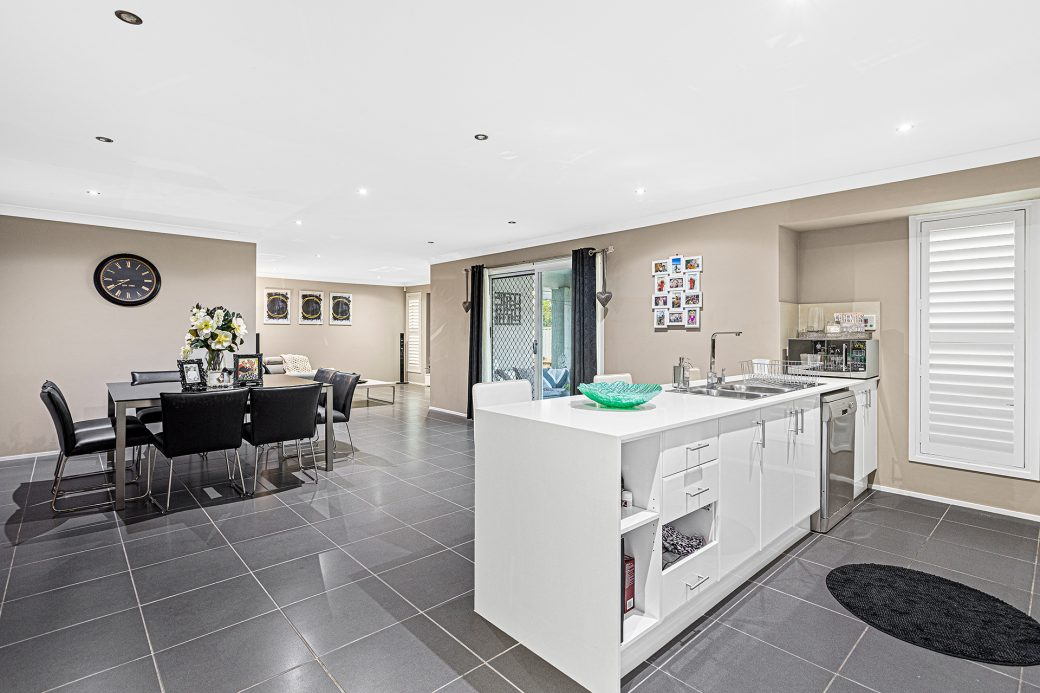 LowRes-14637_29 Huntingdale Close Shell Cove_100_699